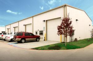 Photo of a RHINO industrial metal building full of tenants.